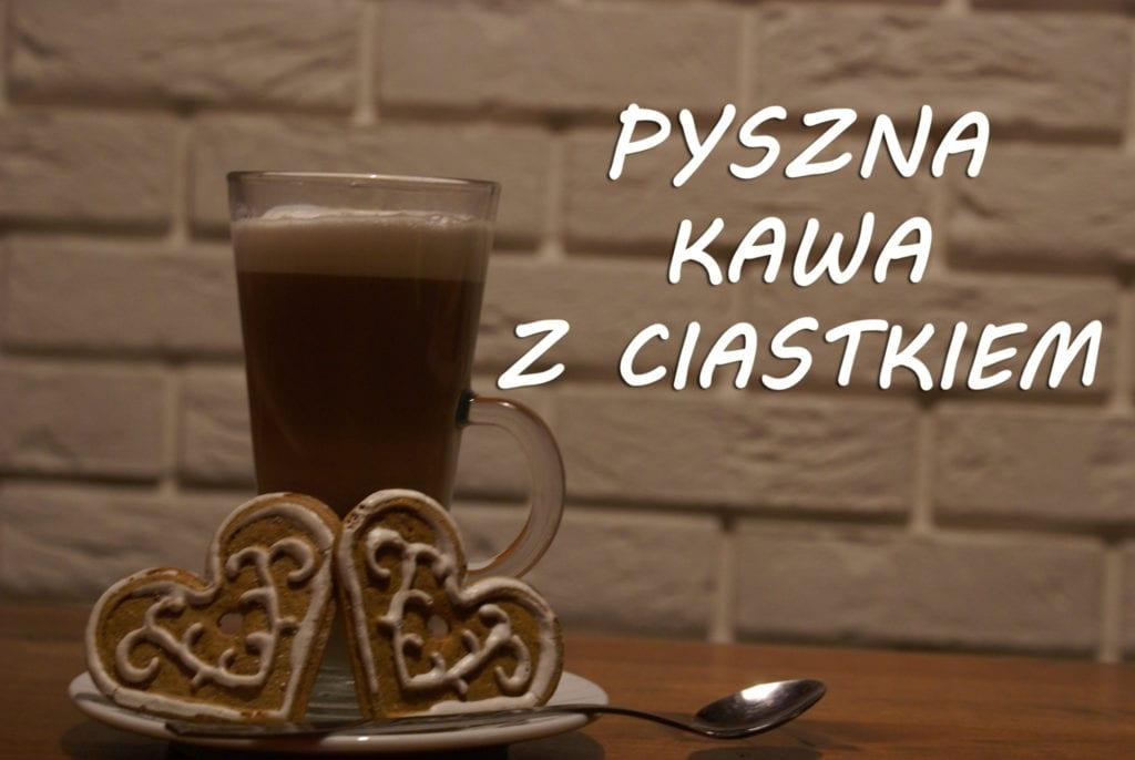 Pyszna kawa z ciastkiem