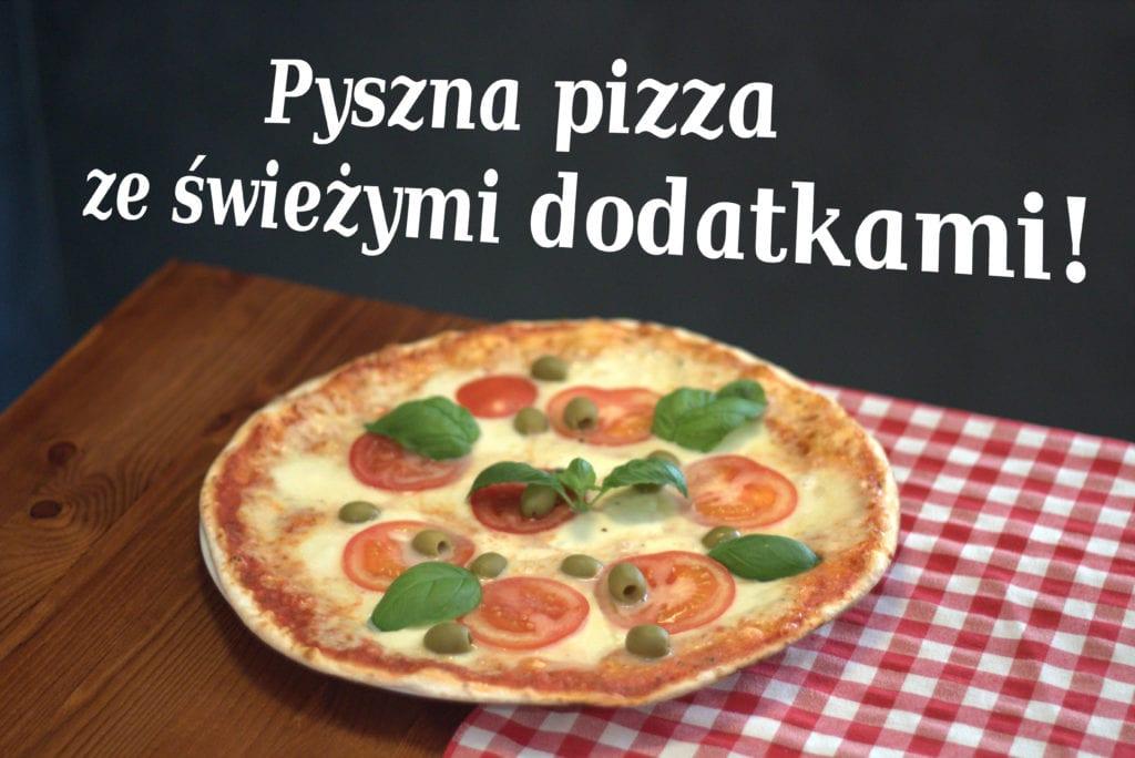 Pyszna pizza ze świeżymi dodatkami!